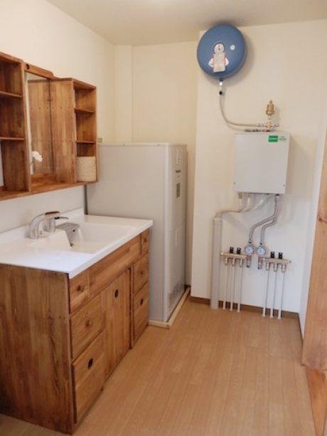 手作り洗面化粧台・エコキュート